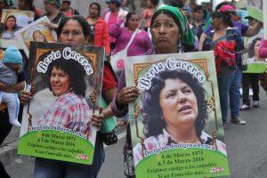 """#3J """"Vivas, libres y desendeudadas nos queremos"""""""