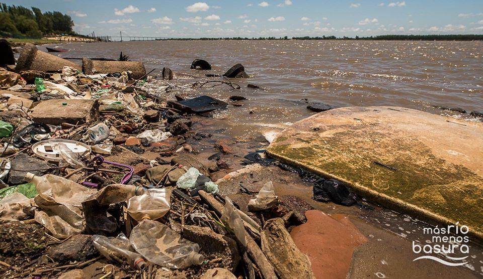 Por menos residuos en el río: propuestas para el verano